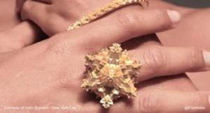 gioiello realizzato da John Brevard di New York