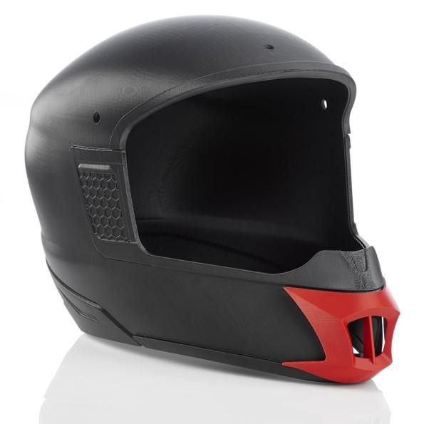 prototipo di casco da moto stampato in 3d con materiale ABS su Stratasys F123