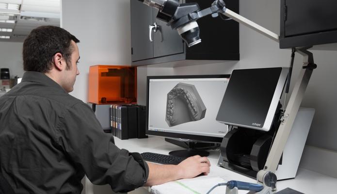 Stampa 3D dentale: nuova resina biocompatibile a lunga durata Formlabs