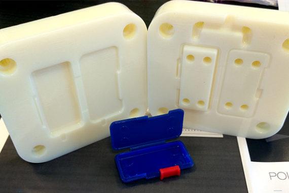 stampo per iniezione stampato in 3d con stratasys polyjet