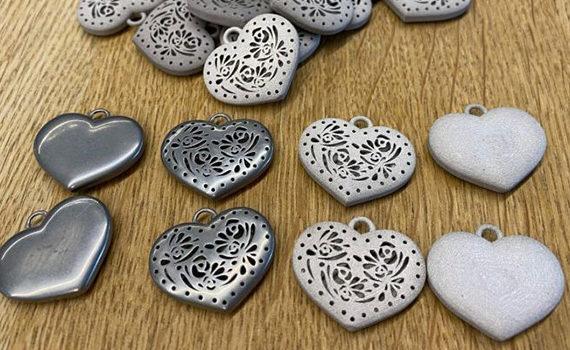 Stampa 3D metallo di ciondoli a forma di cuore